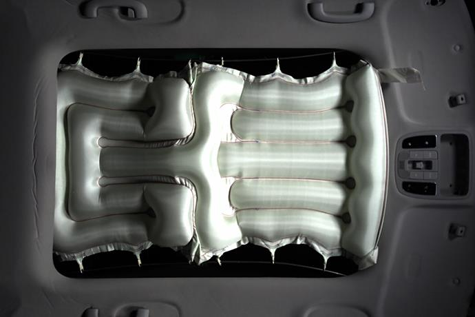 Hyundai announces world's first airbag for sunroof
