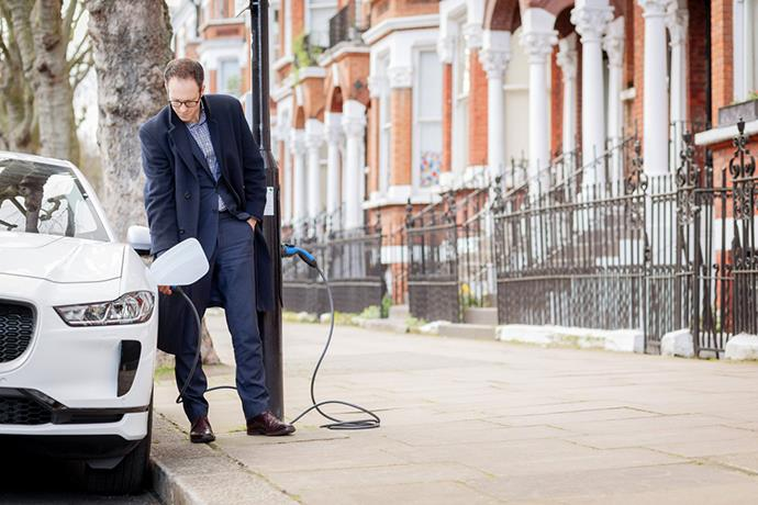 Electric Avenue: Streetlights in London recharge electric cars
